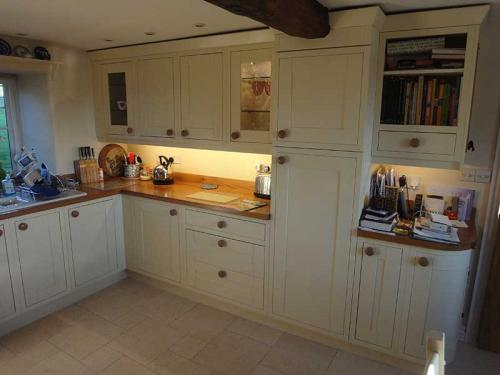 Cream country style kitchen